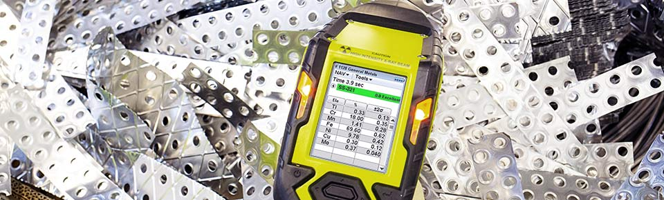 Results screen - mobile Niton XL2 plus analyzes scraps in seconds